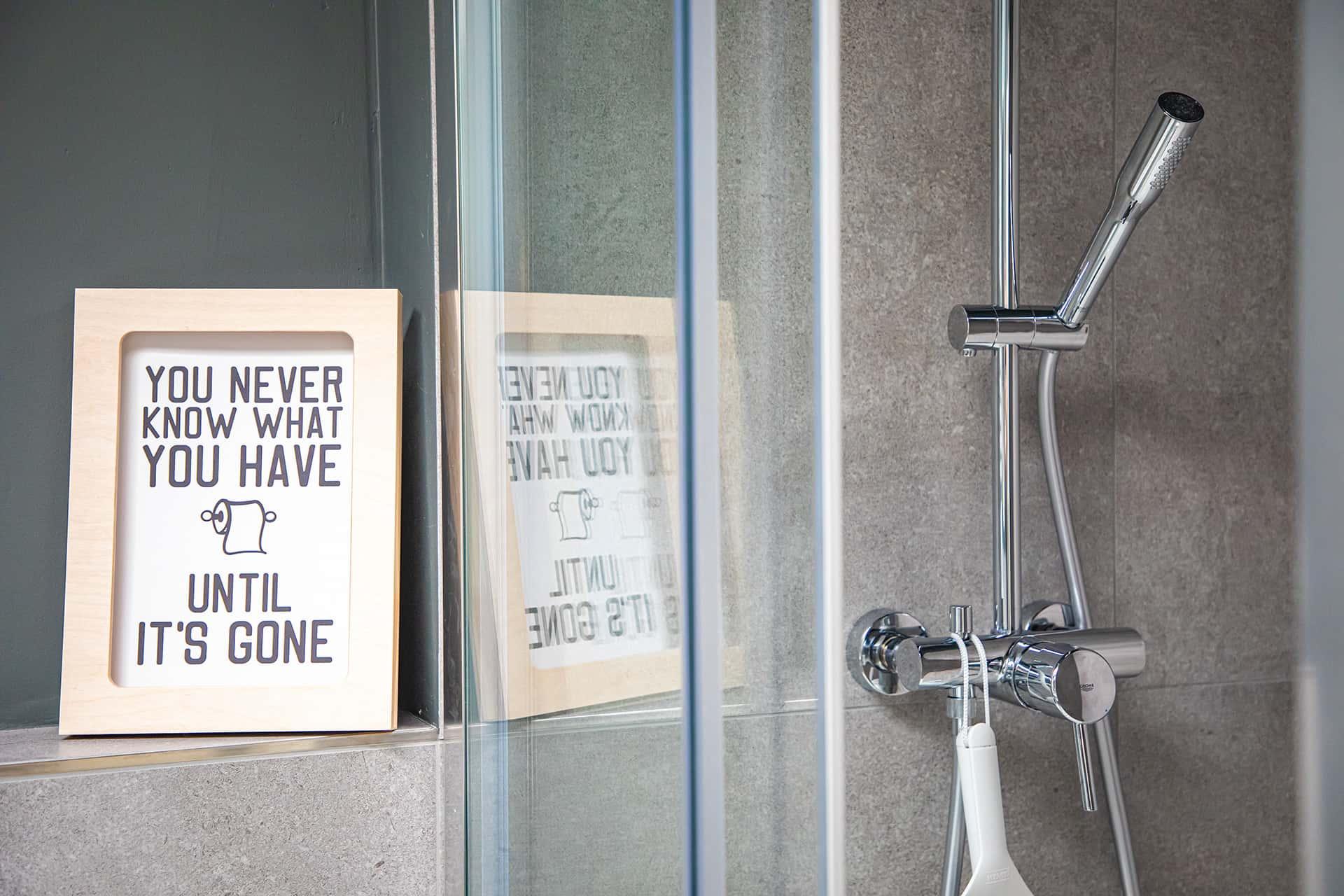 Bad mit großer Dusche, Ferienwohnung Das Lissi, Haus Elisabeth
