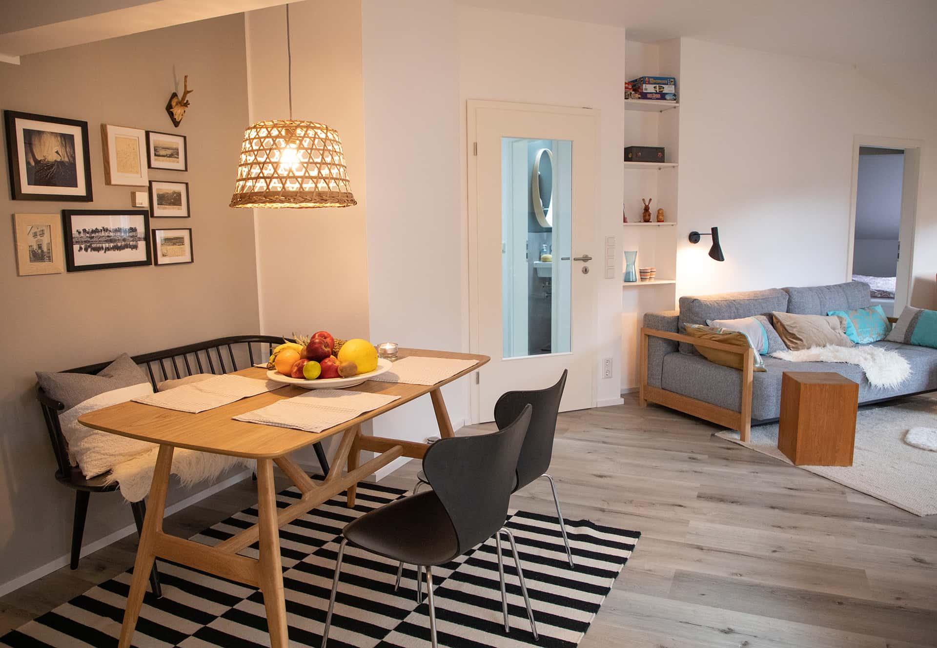 Essplatz im Wohn/Esszimmer Ferienwohnung Das Lissi, Haus Elisabeth, Aschau