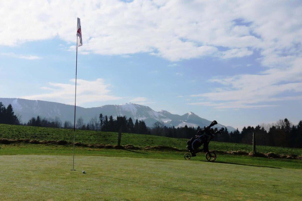 Golfplatz in Patting-Hochriesblick