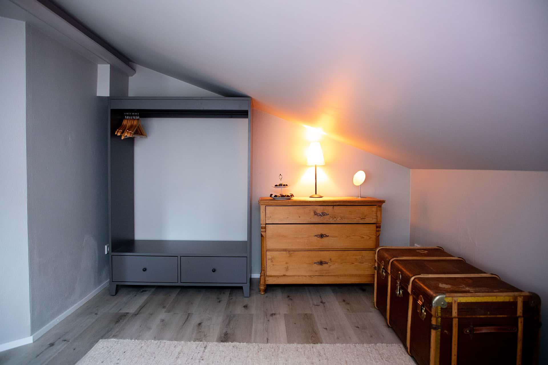 Schlafzimmer, Schrank, Ferienwohnung Das Lissi, Haus Elisabeth