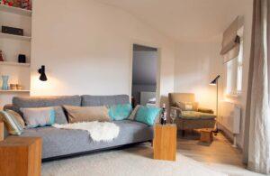 Wohnzimmer Sofa mit Lesesessel, Ferienwohnung Das Lissi, Haus Elisabeth